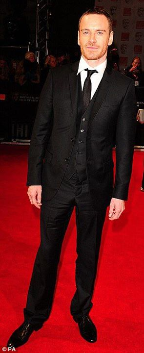 michael fassbender in eco armani at bafta awards