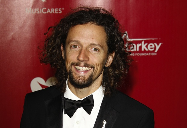 Jason Mraz's home is entirely solar powered.